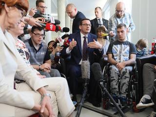 Polka z nogi, czyli jak PiS upokarza niepełnosprawnych i ich rodziny