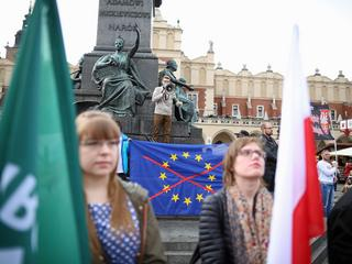 Jak Polska pod rządami PiS wypisuje się z Unii