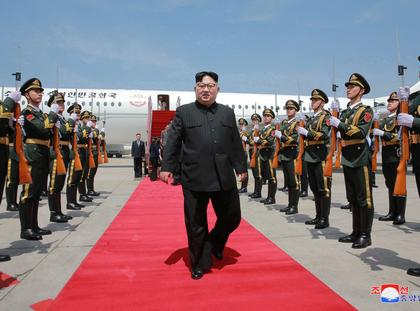North Korean leader Kim Jong-un meets with Xi Jinping in Dalian