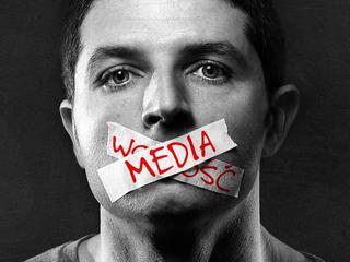 Dziennikarz może mieć poglądy polityczne, ale nie może się podlizywać