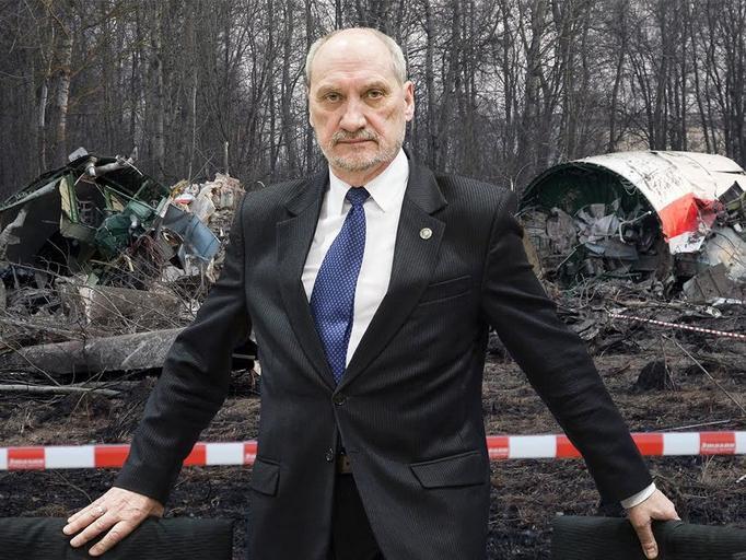 Antoni Macierewicz smoleńsk katastrofa