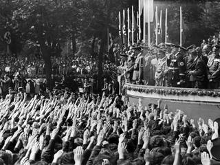 """""""Można ich tylko zabić albo pozyskać"""". Jak po wojnie wybaczono nazistom ?"""