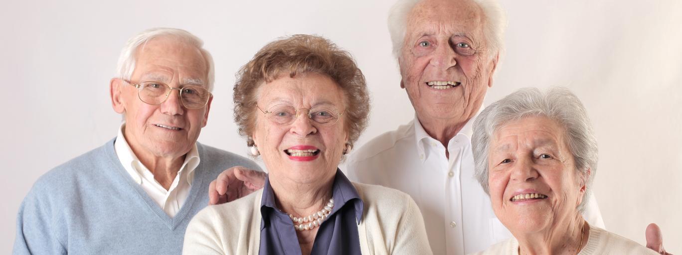 dziadkowie, starsi ludzie, emeryci