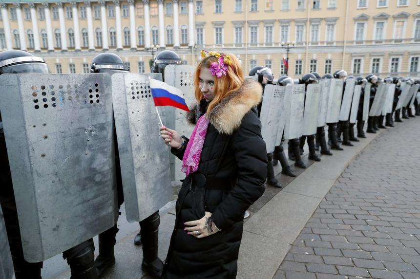 Policja dokonała zatrzymań kilkuset uczestników antyrządowej demonstracji