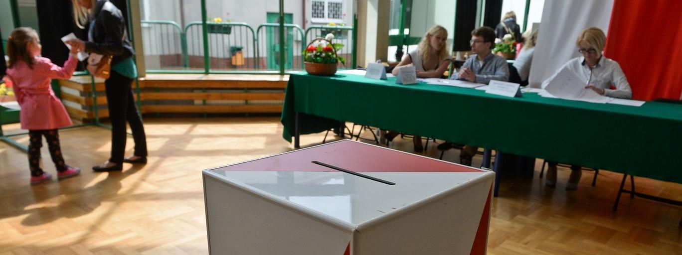 ybory prezydenckie urna wyborcza