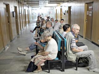 Szpitale odsyłają ciężko chorych pacjentów. Powód? Ich leczenie się nie opłaca