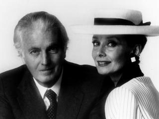 """Nie żyje Hubert de Givenchy projektant czarnej sukni ze """"Śniadania u Tiffaniego"""" i różowego płaszcza Jackie Kennedy"""