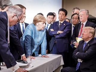 Donald Trump walczy z Zachodem