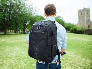 Jak dobrze wybrać plecak do przewożenia laptopa? Podpowiadamy!