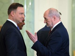 Duda spotka się z Macierewiczem. Kto kogo postawi dziś na baczność?