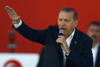 Cała władza w ręce Erdogana? W Turcji rozpoczęło się referendum