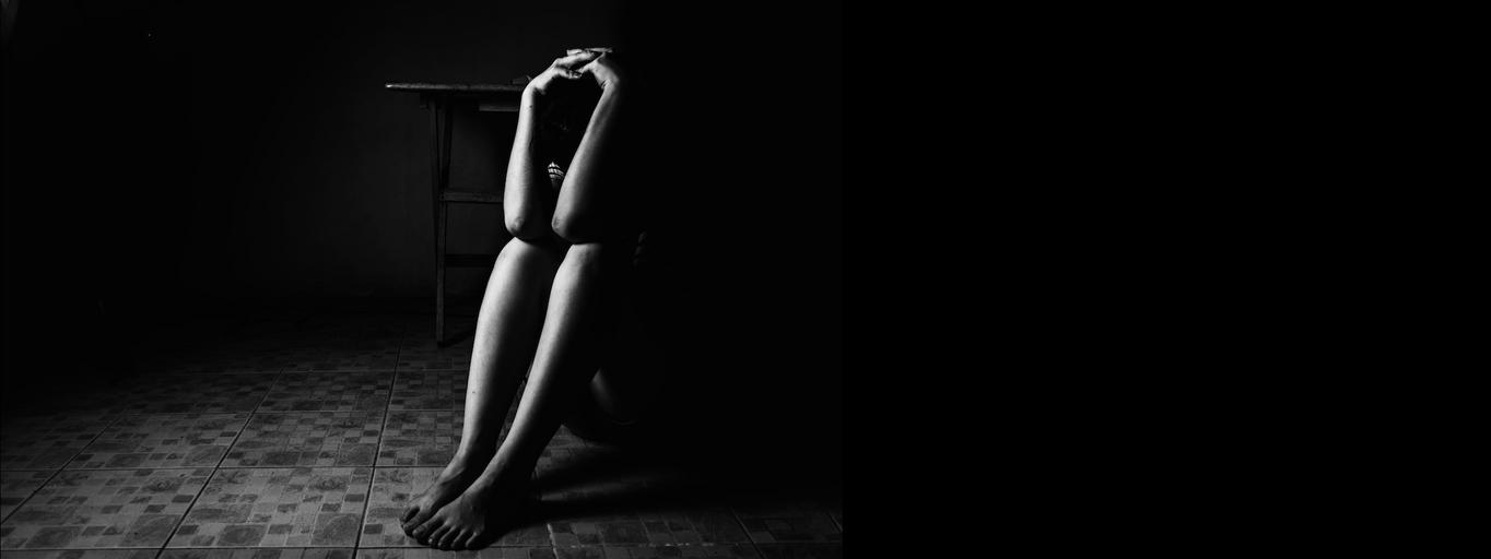 kobieta rozpacz smutek gwałt