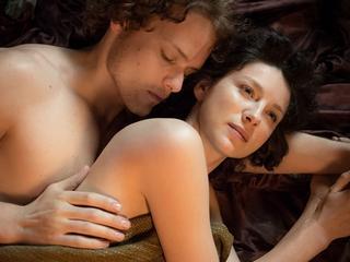 Miłość na małym ekranie. Najlepsze seriale dla fanów romantycznych historii