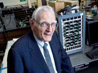 Wiekowy geniusz. Ma 94 lata i właśnie zaprezentował rewolucyjny wynalazek