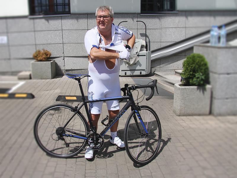 Ryszard Czarnecki trenuje jazd? na rowerze