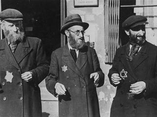 Na trzech uratowanych Żydów, którym udało się zbiec Niemcom, dwóch ginęło, w większości z rąk Polaków