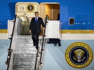 """Trump wylądował. Papież odmawia """"Zdrowaś Maryjo"""" za rozmowy z Kimem"""