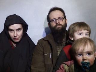 Byli zakładnikami pięć lat. W niewoli urodziła im się trójka dzieci
