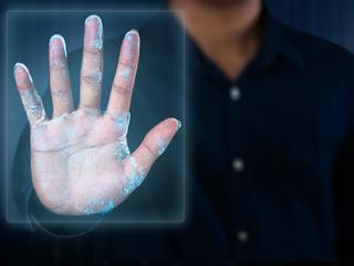 Uwaga na palce! Cyberzłodzieje kradną linie papilarne na podstawie twoich zdjęć
