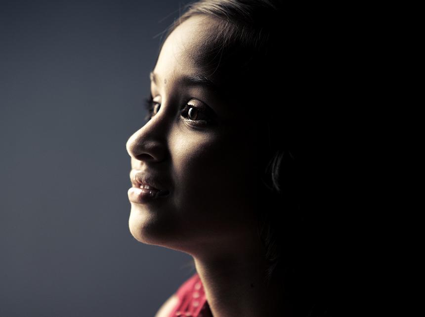 Dziewczynki poddawane są obrzezaniu bezrefleksyjnie. Kobiety myślą, że tak musi być, że one przez to przechodziły, przejdą ich córki, a potem córki ich córek.