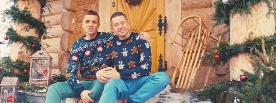 jakub kwieciński, dawid mycek, geje, pokochaj nas w święta, para, homo, lgbta