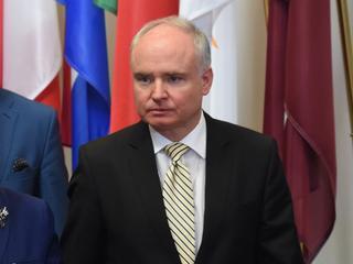 Dlaczego PiS odstrzeliło ambasadora przy UE?