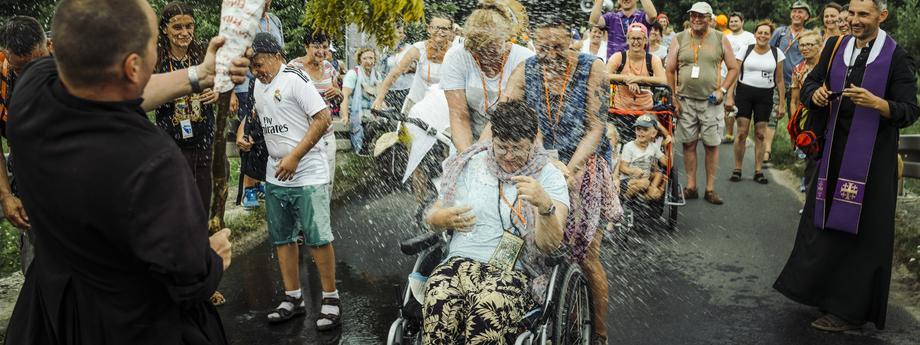 hPiesza Pielgrzymka Niepełnosprawnych na Jasną Górę. Fotoreportaż powstał w dniach 8-9 sierpnia 2018 r.