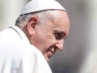Koniec celibatu? Papież Franciszek zgodził się poruszyć wyjątkowo drażliwą kwestię
