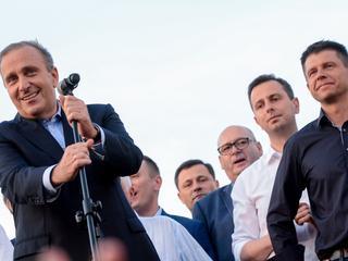Kto powinien zostać liderem opozycji? Jeśli wierzyć nowemu sondażowi, kandydat jest tylko jeden
