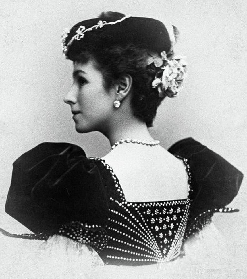 Matylda Krzesińska na pocztówce wykonanej na zlecenie teatru Maryjskiego w Petersburgu.