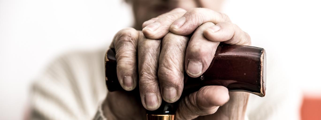 Babcia dziadek emerytury starzenie demografia