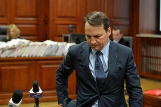 Sikorski: Nie zajmowałem się organizacją wizyty w Smoleńsku