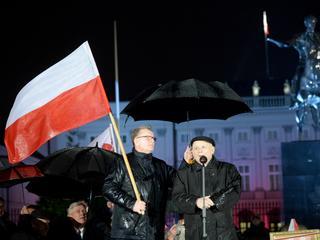 Kaczyński na miesięcznicy: Wiemy już, gdzie staną pomniki smoleńskie