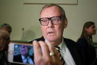Szef podkomisji smoleńskiej Wacław Berczyński podał się do dymisji