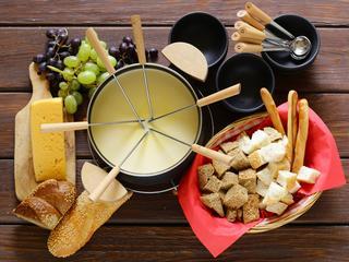 Szukasz pomysłu na kolację? Spróbuj fondue!