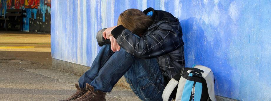 uczeń, nastolatek, depresja, smutek
