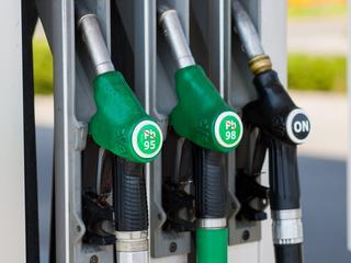 Dlaczego warto wybrać samochód napędzany paliwem alternatywnym?