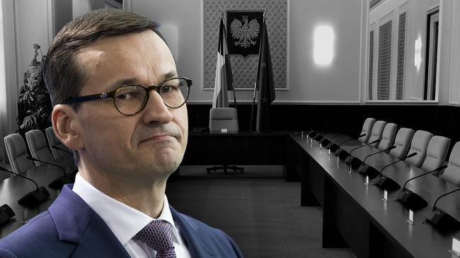 Premier Mateusz Morawiecki. Samotność.