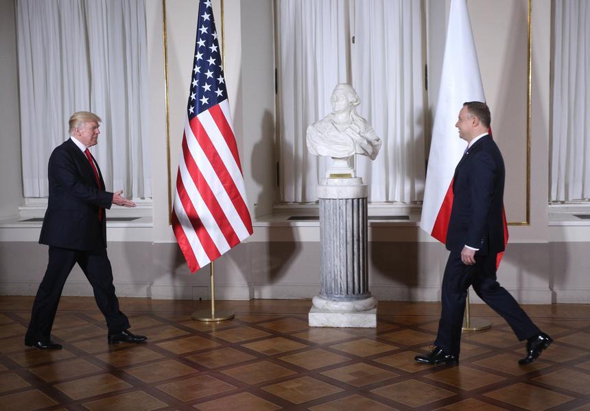 Powitanie Prezydenta Stanow Zjednoczonych Ameryki Donalda J. Trumpa przez Prezydenta RP Andrzeja Dudę.
