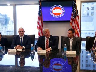 Donald Trump kontra DolinaKrzemowa