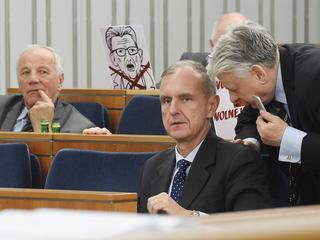 Senat debatuje o SN. Rulewski porównuje senatorów PiS do kiboli