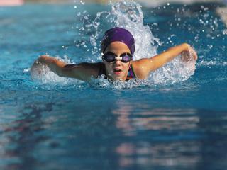 Dlaczego warto chodzić na basen?