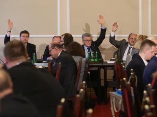 Petru: Posłów w Sejmie jest za dużo. Wielu to tylko maszynki do głosowania