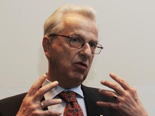 Prof. Lew-Starowicz: Wakacyjna zdrada to nie jest przygoda bez konsekwencji