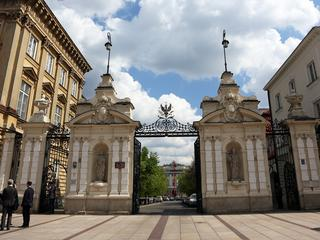Uniwersytet Warszawski brunatnieje. Rektorzy nie dostrzegają problemu