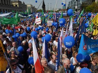 Marsz Wolności. Ratusz: 90 tys. Policja: 12 tys. osób