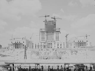 Jak awangardowi architekci odbudowali Warszawę