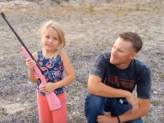 Kuloodporny plecak i różowa strzelba, czyli szkolna wyprawka amerykańskiego ucznia