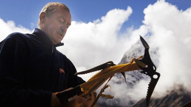 Nepal, Himalaje, 2005. Krzysztof Wielicki przygotowywuje sie do ataku na szczyt Lobuche Jacek Turcz