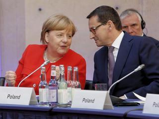 """""""Rutynowe spotkanie"""" premiera Morawieckiego z kanclerz Angelą Merkel"""